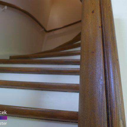Treppe Treppenhaussanierung Gelaender streichen lackieren Maler Bremen 02