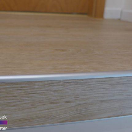 Treppe Treppenhaussanierung Gelaender streichen lackieren Maler Bremen 04