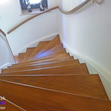 Treppe Treppenhaussanierung Gelaender streichen lackieren Maler Bremen 05